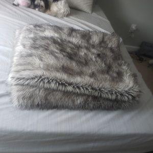 Fake Fur Faux Fur 9 Yard 110 inches Fabric Blanket